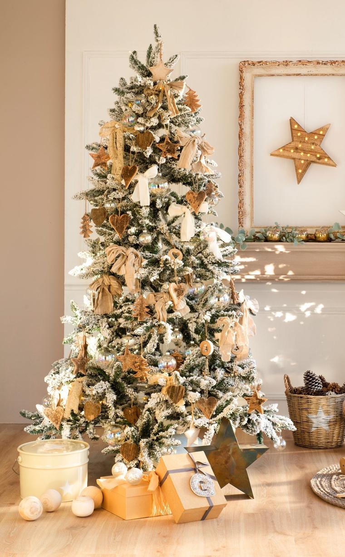 Árbol de Navidad Nevado en Dorado