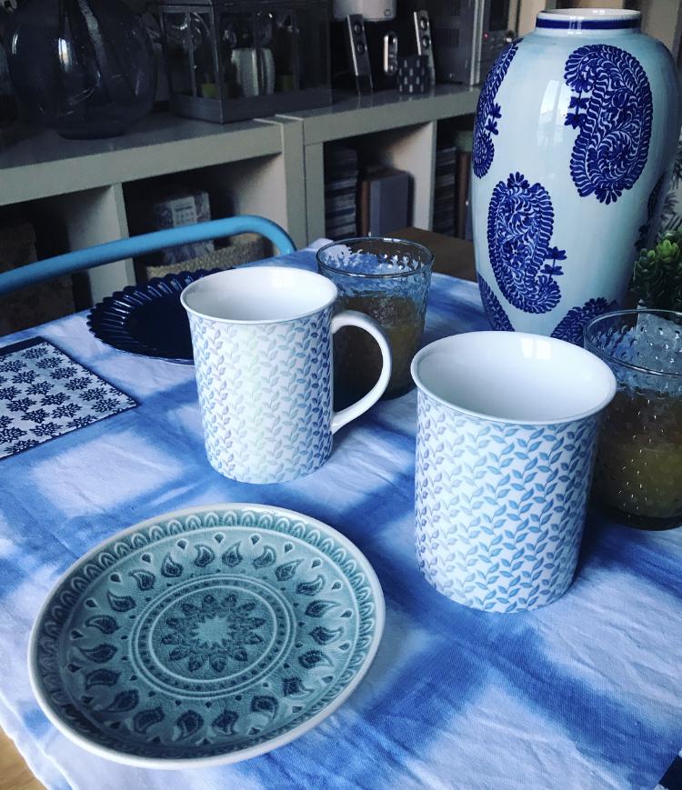Desayuno en azul