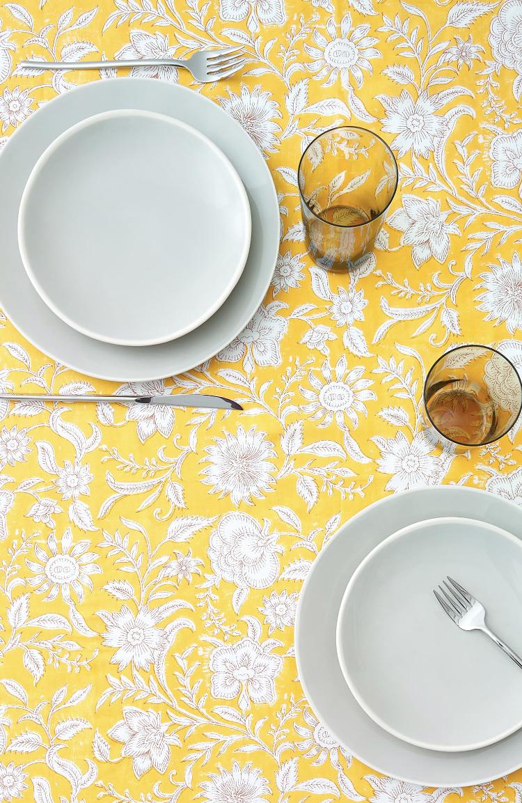 Mantel Estampado Flores Color Calabaza de Zara Home